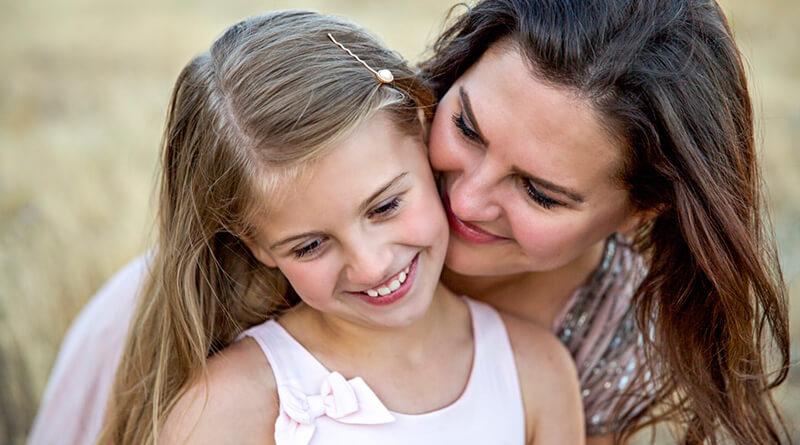 Matka s dievčaťom v rozhovore o fajčení